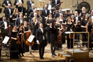 Viyana'da, Wiener Konzerthaus'daki BİFO konserinde solist, bir rock müzik yıldızını andıran kemancı Nemanja Radulović idi.