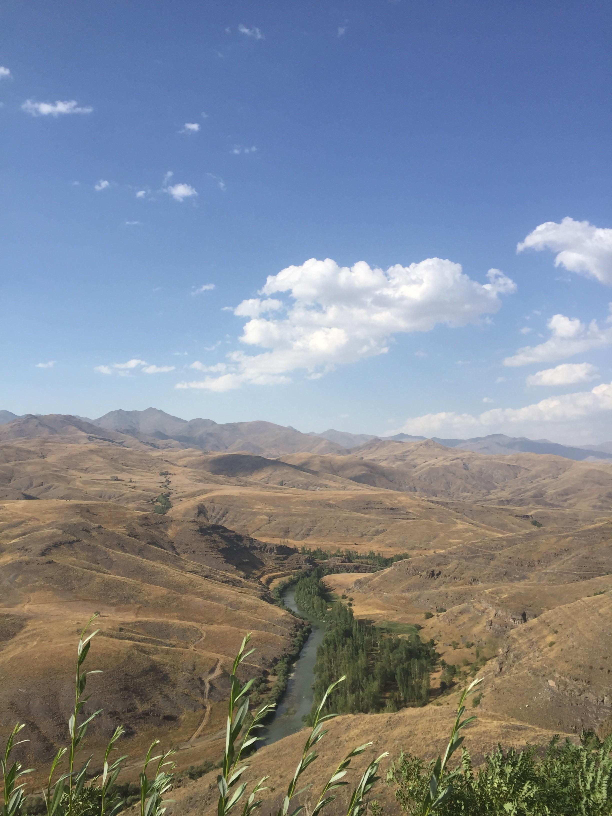 Çoruh Nehri manzaralı Baksı'dan... Fotoğraf: Nİlay Örnek