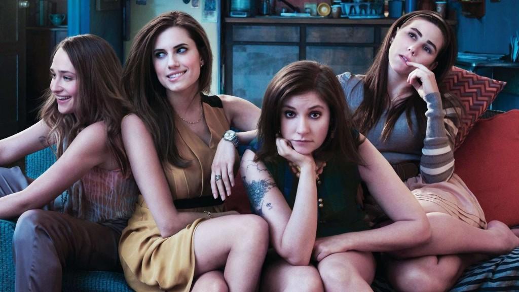 'Girls' adlı diziyle yeni dönemin en yetenekli yazar ve oyuncularından biri olduğunu ispatlayan Lena Dunham da (soldan üçüncü) çocuk kadınlardan.