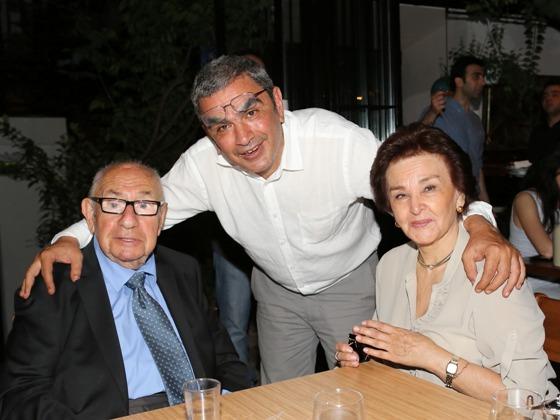 Aydın, Burak ve Suzan Boysan... Fotoğraf: bugunbugece.çom