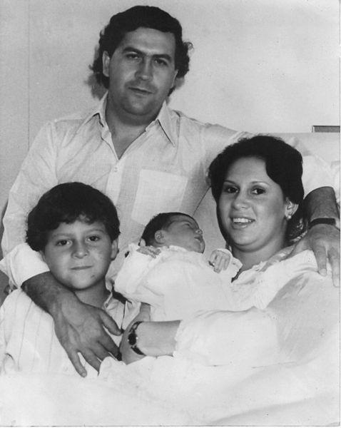 Escobar ailesiyle…