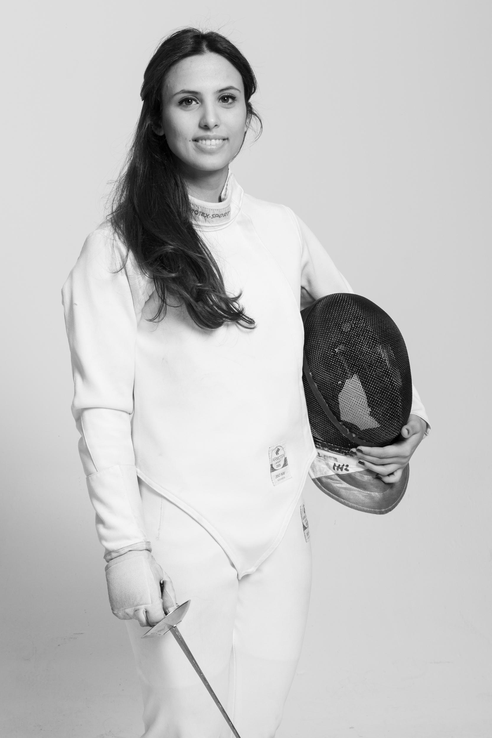 İrem Karamete, Türk eskrim tarihinde olimpiyat kotası alan ilk sporcu.