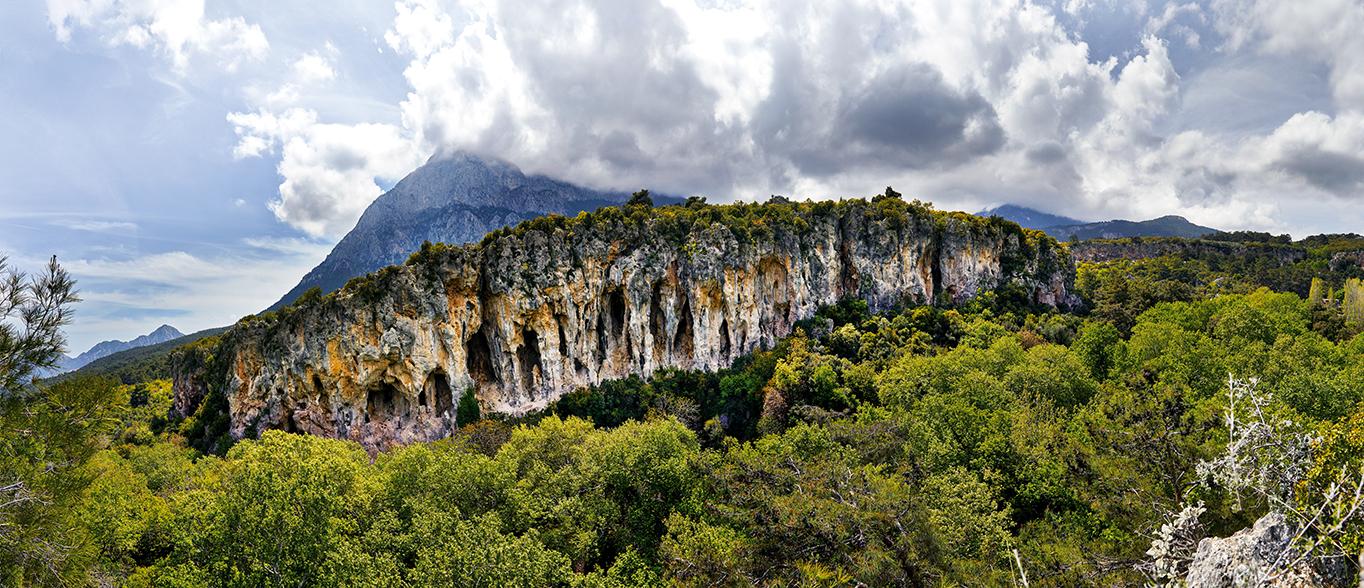 Geyikbayırı tırmanışçıların gözdesi olmasına rağmen turizmciler tarafından değeri yeterince bilinmiş bir yer değil.