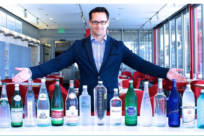 Martin Riese su sommelier'i. Los Angeles'taki Patina Group'ta su tadımları yaptırıyor.