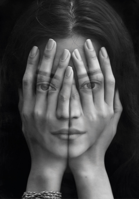Tigran Tsitoghdzyan'ın 'Ayna' adlı çalışması, yüzümüzü elimize aldığımız şu günlere denk geldi. Bir de Wolfgang Stiller'in 'kibrit çöpüne dönmüş adamları' da hislerimize tercüman eserlerdendi.
